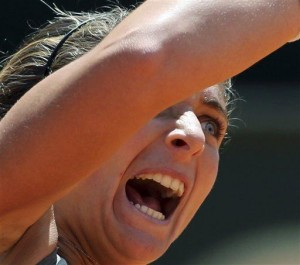 Errani thrills home crowd by reaching Rome final