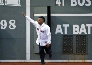 Ramirez apologizes for behavior with Red Sox