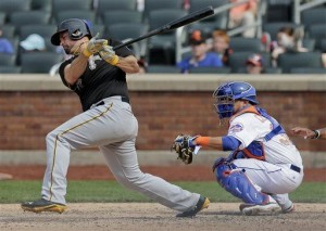 Sanchez helps Pirates rally for win over Mets