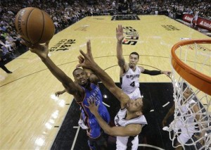 Spurs rout Thunder to take 3-2 lead in West finals