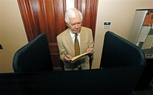 Cochran, McDaniel campaign in Mississippi showdown