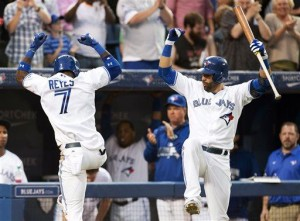 Encarnacion, Pillar lift Blue Jays over Twins 5-4