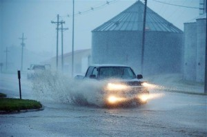 Line of punishing Midwest thunderstorms weakens