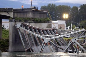 Papers give details on Washington bridge collapse