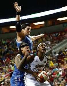Storm send Lynx to first loss, 65-62