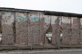 bigstock-The-remains-of-berlin-wall-in-credit