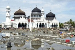 Indonesia Tsunami Mosque as Refuge