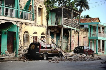 640px-Earthquake_damage_in_Jacmel_2010-01-17_4